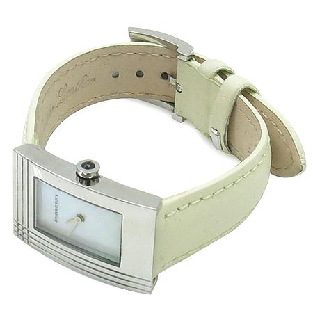 Burberry(버버리) BU4102 자개판 사각 펜던트 가죽 밴드 여성용 시계 이미지2 - 고이비토 중고명품