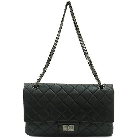 Chanel(샤넬) A37590Y04150 C3906 빈티지 카프스킨 블랙 2.55 L사이즈 점보 은장로고 체인 숄더백 이미지2 - 고이비토 중고명품