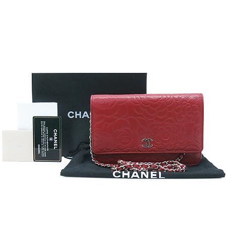 Chanel(샤넬) A46502 램스킨 레드 월릿 온 더 체인 까멜리아 클러치 겸 크로스백 [압구정매장]