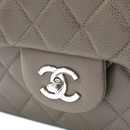 Chanel(샤넬) A28600 캐비어스킨 쵸코브라운 클래식 점보 L사이즈 은장로고 체인 숄더백 [동대문점] 이미지5 - 고이비토 중고명품