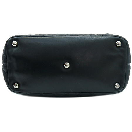 Chanel(샤넬) A25169 블랙 컬러 화이트 COCO 로고 쇼퍼 숄더백