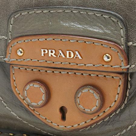 Prada(프라다) BR4659 VITELLO SHINE 비텔로샤인 ARGILLA+CUOI 그레이레더 금장로고 체인 숄더백