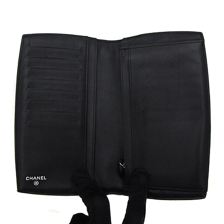 Chanel(샤넬) 블랙 페이던트 정면 화이트 COCO 로고 장지갑 [부천 현대점]