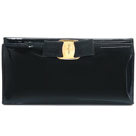 Ferragamo(페라가모) 22 A900 블랙 페이던트 래더 금장 바라 장식 장지갑