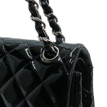 Chanel(샤넬) A58600Y06830 블랙 페이던트 클래식 점보 사이즈 은장 체인 숄더백 [명동매장] 이미지5 - 고이비토 중고명품