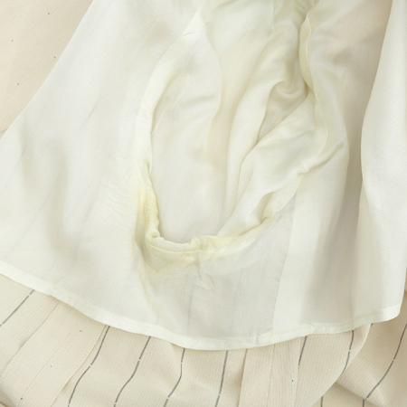 Jilsander(질샌더) 아이보리 컬러 파워 숄더 자켓