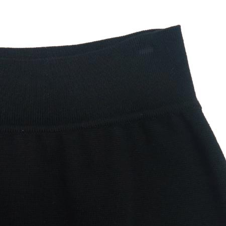 EMANUEL UNGARO(엠마누엘 웅가로) 블랙 컬러 밴딩 스커트 이미지2 - 고이비토 중고명품