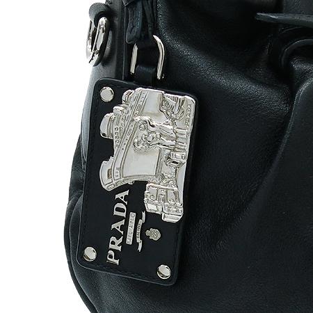 Prada(프라다) BR3795 블랙 레더 호보 숄더백 이미지5 - 고이비토 중고명품