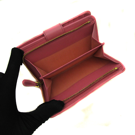 Prada(프라다) 1M1225 금장 레터링 로고 장식 핑크 사피아노 메탈 중지갑 [인천점] 이미지4 - 고이비토 중고명품