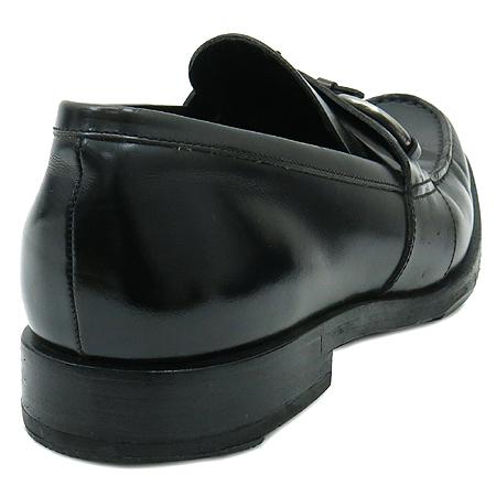 Prada(프라다) 간치니 장식 블랙 컬러 래더 여성용 로퍼