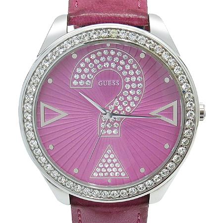 Guess(게스) 라운드 베젤 장식 가죽 밴드 여성용 시계