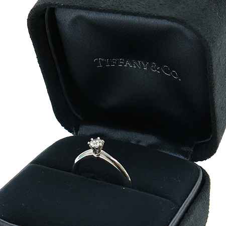 Tiffany(티파니) PT950 (플래티늄) 0.24 캐럿 I컬러 VS2 다이아 반지