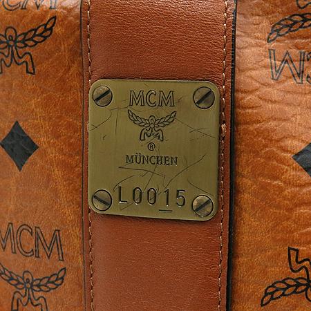 MCM(엠씨엠) 1011055280122 비세토스벨트 장식 투포켓 토트백