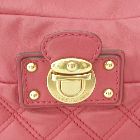Marc_Jacobs(마크제이콥스) 핑크 레더 금장 벨트 장식 퀼팅 숄더백