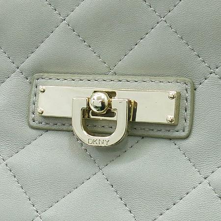DKNY(도나카란) 그레이 레더 금장 락 장식 체인 숄더백