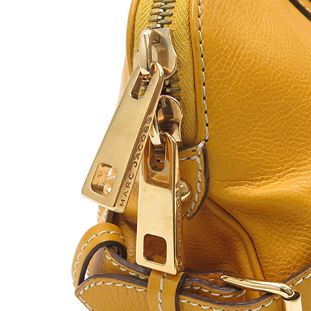 Marc_Jacobs(마크제이콥스) 금장 로고 버클 원 포켓 장식 숄더백