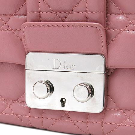 Dior(크리스챤디올) 핑크 컬러 까나쥬 체인 숄더백 이미지4 - 고이비토 중고명품