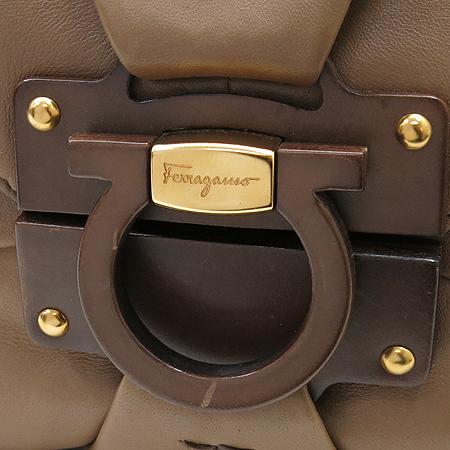 Ferragamo(페라가모) 21B369 간치노 로고 장식 레더 숄더백 [인천점]