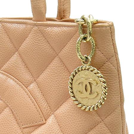 Chanel(샤넬) A01804  캐비어스킨 금장 코인백 토트백 이미지4 - 고이비토 중고명품