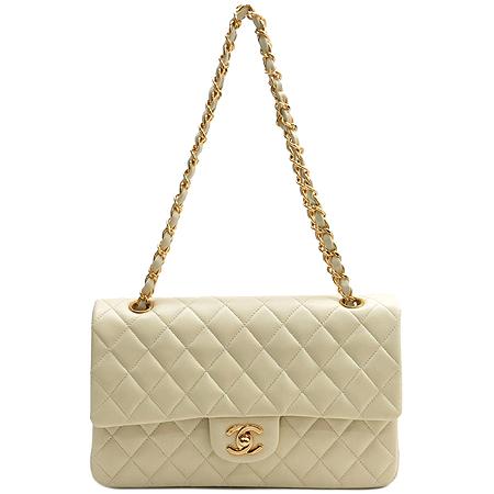 Chanel(샤넬) A0112 램스킨 베이지 클래식 M 사이즈 금장 체인 숄더백 [명동매장]