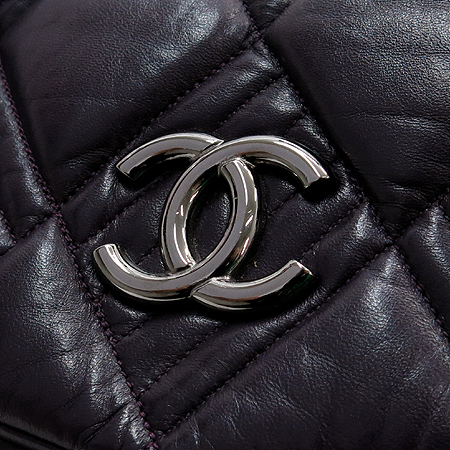 Chanel(샤넬) COCO 은장 로고 장식 램스킨 퍼플 컬러 여성용 숄더백