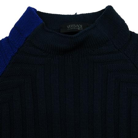 Versace(베르사체) 네이비컬러 니트 이미지2 - 고이비토 중고명품