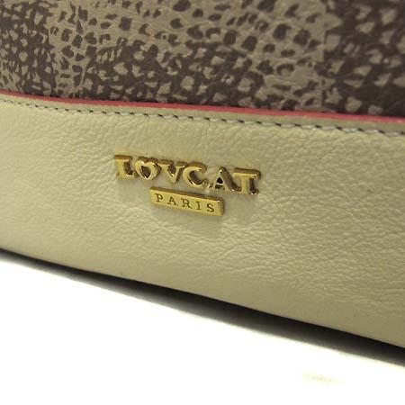 LOVCAT(러브캣) LDFNB001IV 금장 로고장식 PVC 베이지 레더 트리밍 복조리 숄더백