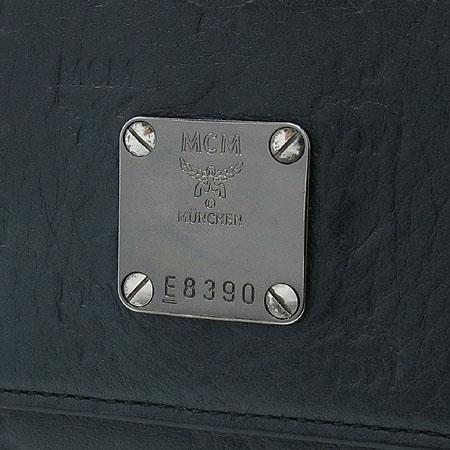 MCM(엠씨엠) MYL0AIE1EC001 은장 로고 장식 여성용 장지갑 이미지2 - 고이비토 중고명품