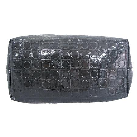 Ferragamo(페라가모) 21 B475 간치니 패턴 에나멜 쇼퍼 숄더백