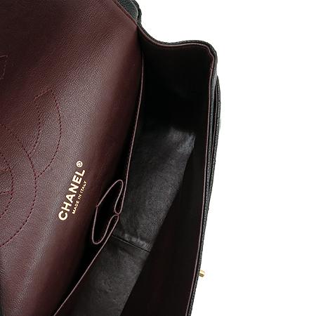 Chanel(샤넬) A28600Y01588 캐비어 스킨 클래식 점보 사이즈 금장 체인 숄더백 [압구정매장]