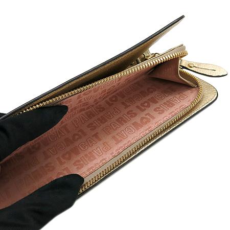 LOVCAT(러브캣) 금장 로고  장식 아이보리 컬러 레더 금장 체인 숄더백 겸 클러치 지갑