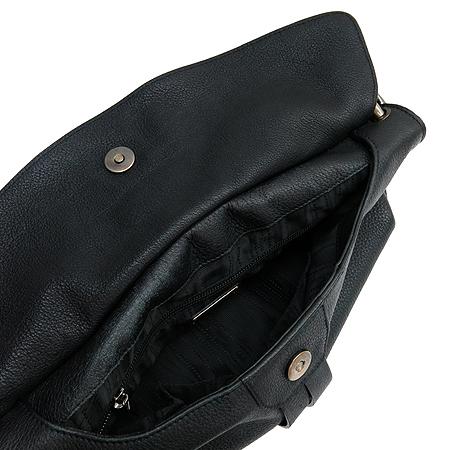 Ferragamo(페라가모) 21-B643 빈티지 골드 메탈 간치니 로고 블랙 레더 숄더백
