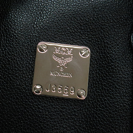 MCM(엠씨엠) 1011064010301 은장 로고 장식 블랙 레더 보스톤 토트백