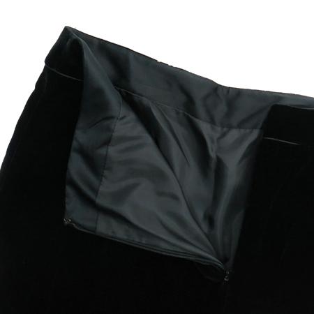 SOLEZIA(쏠레지아) 블랙 컬러 벨벳 스커트 이미지2 - 고이비토 중고명품