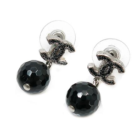 Chanel(샤넬) COCO 로고 블랙펄 귀걸이 이미지3 - 고이비토 중고명품