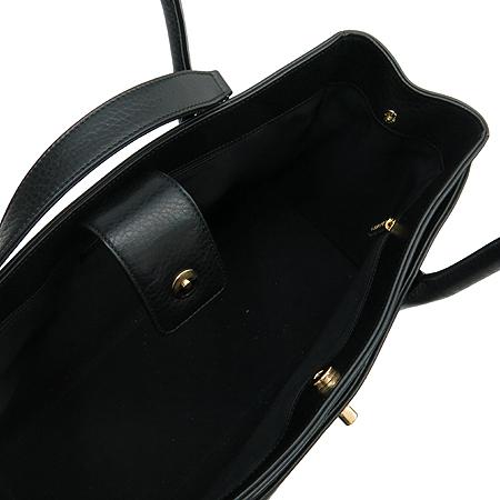 Chanel(샤넬) A15206Y01570 캐비어 스킨 금장 COCO로고 서프 토트백 + 숄더 스트랩 [명동매장]