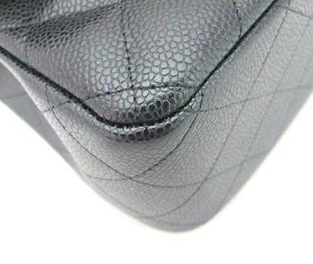 Chanel(샤넬) A28600Y01588 캐비어스킨 클래식 점보 사이즈 금장 체인 숄더백 [분당매장] 이미지4 - 고이비토 중고명품