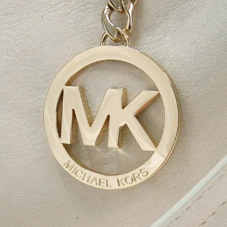 MICHAELKORS(마이클코어스) 금장 로고 장식 화이트 래더 2WAY