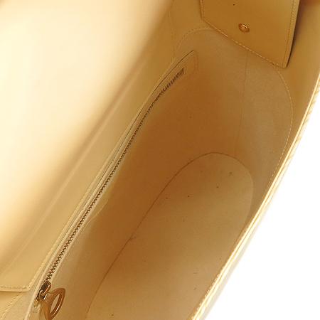 Louis Vuitton(루이비통) M5281A 바닐라 에삐 레더 베르소 숄더백