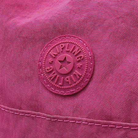 KIPLING(키플링) 핑크 패브릭 백참 장식 토트백