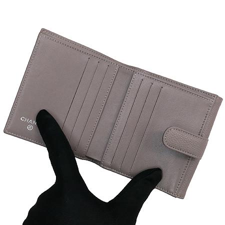 Chanel(샤넬) A48650 COCO로고 캐비어스킨 반지갑 [압구정매장] 이미지5 - 고이비토 중고명품