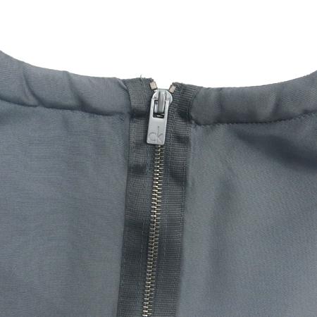 Calvin Klein(캘빈클라인) 그레이컬러 실크 나시 브라우스