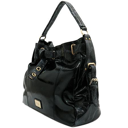 ANNE KLEIN(앤클라인) 블랙 에나멜 파이톤 패턴 금장 로고 숄더백 이미지3 - 고이비토 중고명품