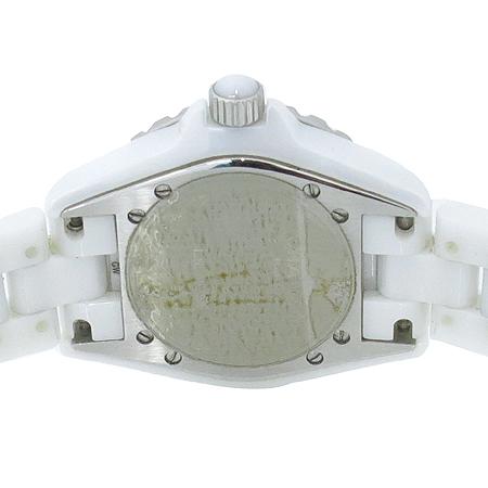 Chanel(샤넬) Chanel(샤넬) H0968 J12 33MM 쿼츠 화이트 세라믹 여성용 시계 [압구정매장] 이미지6 - 고이비토 중고명품