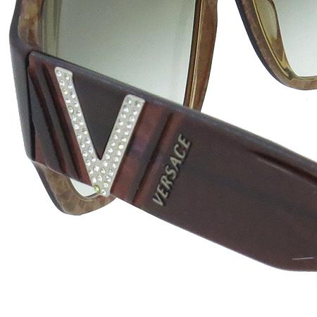 Versace(베르사체) 4145B 측면 로고 장식 뿔테 선글라스 이미지5 - 고이비토 중고명품