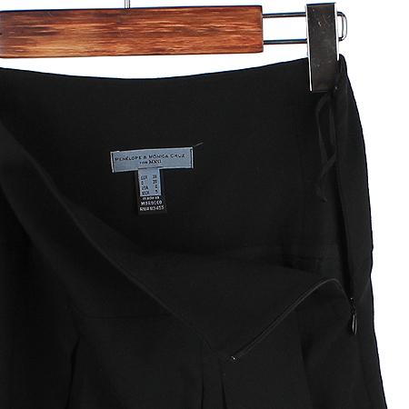 MNG(망고) 블랙 컬러 스커트