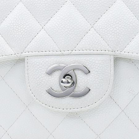 Chanel(샤넬) 캐비어 스킨 화이트 클래식 원 플랩 점보 사이즈 은장 체인 숄더백