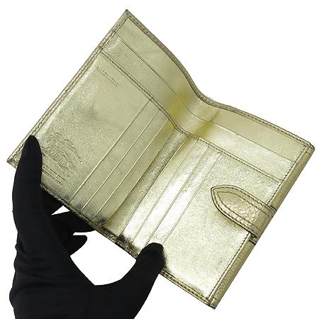 Burberry(버버리) 클래식체크 PVC 골드 메탈릭 혼방 2단 중지갑