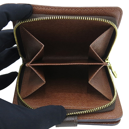 Louis Vuitton(루이비통) M61667 모노그램 캔버스 지퍼 컴팩트 월릿 반지갑 [압구정매장] 이미지5 - 고이비토 중고명품
