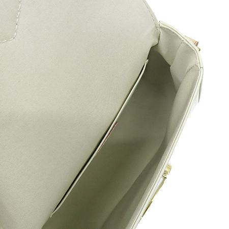 Louis Vuitton(루이비통) M91706 모노그램 베르니 블랑 코레일 벨 플라워 크로스백